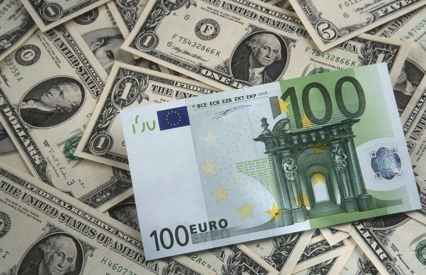 курс долара до євро